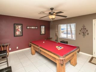 Spacious 4bed/2bath home w/ NEW Pool & Pool Table, Lake Havasu City