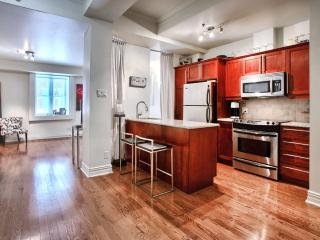 Beautiful condo in the heart of Old Montreal