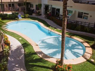Amazing 3BR Condo in the Heart of Playa with Pool!