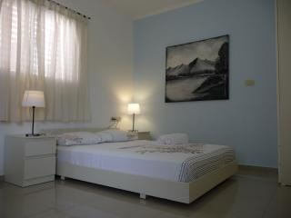 Studio in a quiet area 5 minutes walk to the sea, Netanya