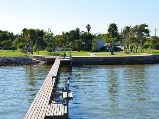 LOOKING FOR RELAXATION ON GALVESTON BAY @ SAN LEON, San Leon