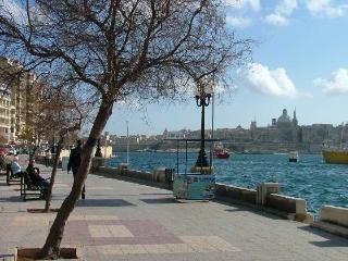Blue sky, Sliema
