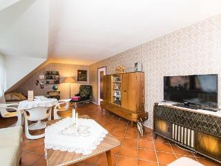 Vacation Apartment in Essen - 861 sqft, comfortable, WiFi (# 2450)