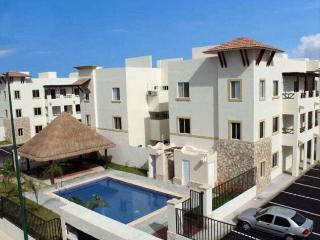 Charming and Cozy 2BD Apartment, Playa del Carmen