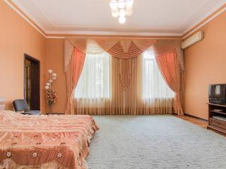 2-bedroom in the center. City Garden nearby, Odesa