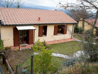 Pretty Tuscan house with shared swimming pool and, Monteverdi Marittimo