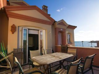 Beautiful penthouse for beach holidays, 11 people, El Puerto de Santa Maria