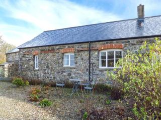 MILL HOUSE COTTAGE, semi-detached, all ground floor, woodburner, WiFi, parking, in Solva, Ref 921421