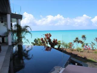 Stingray 4 Bedroom at Tamarind Hills, Antigua - Oceanfront, Pool, Bolans