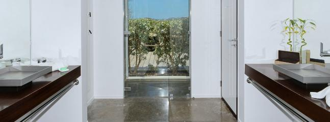 Villa Om 4 Bedroom (Located In The Exclusive Private Gated Community Of