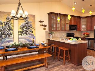 Beautifully Decorated, Cozy Condominium on Whitefish Lake!