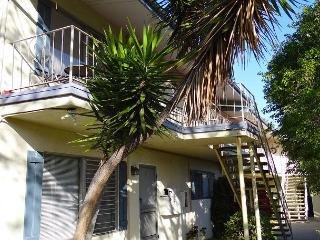 2BR Centrally Located Santa Barbara Apartment, Sleeps 4