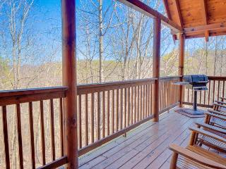 January from $179!!! 3-Level, 4 Bedroom Luxury Cabin. Sleeps 13., Pigeon Forge