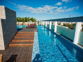 2Bed+ Jacuzzi +Spectacular Rooftop + 2 pools + close 5th.Av. Mamitas Beach, Playa del Carmen