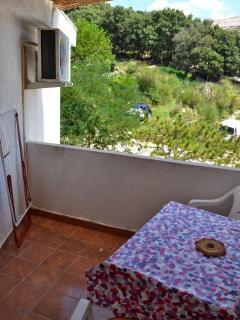 SA2(2): balcony