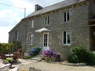 Farmhouse, Gite near to Dinan, Beaches and Golf, Broons