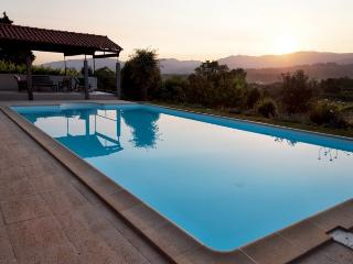Yavanna - Idyllic Chill-Out Villa with Large Pool, Fontoura