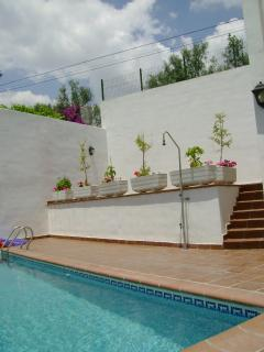 house on small complex with commun pool