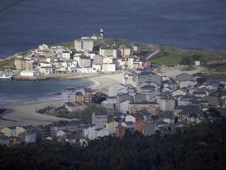 Piso tres dormitorios,  500 mts playas S. Ciprian, Lugo