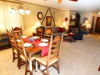 Ski View Condo #14 - Ski Views!, In Town, Single Level, King Bed, WiFi, Common Areas, Picnic, Game Room, Laundry, Red River