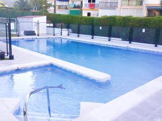 Apartamento con piscina cerca de la playa, Rincon de la Victoria