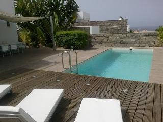 Moderno chalet de 4 dormitorios, Playa fanabe 100 metros, Costa Adeje