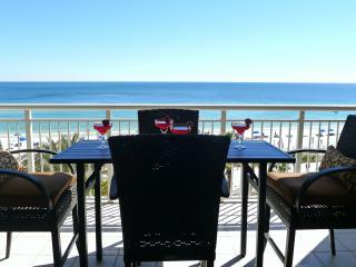 7/29Wk Avail Sleeps 7!Gulf Front Luxury! Best Views!HUGE Pool!FREE Beach Setup!
