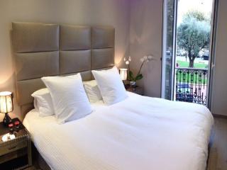 Luxury 4 * Cannes Croisette Apartment