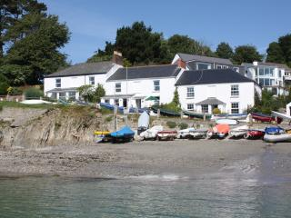 4 Coastguard Cottages, Helford Passage