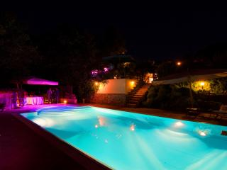 **EXCLUSIVE  LUXURIOS FARMHOUSE** PRIVATE POOL, Cefalu