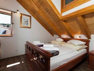 CR29 - Apartment 4, Split