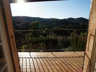 Gorgeous hillside house. Views over woodland & sea, La Croix Valmer
