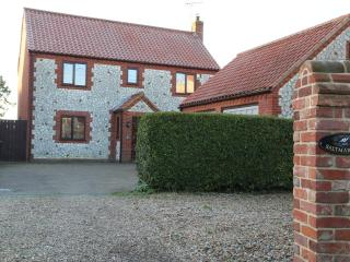 Saltmarshes Cottage, Holme-next-the-Sea, N Norfolk