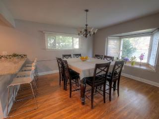 Breakfast Nook and Dining Room