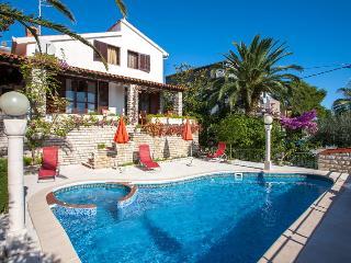 Villa Maisey, Trogir