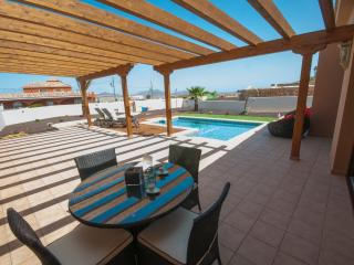 Holiday Cottage with private pool (FV4301)