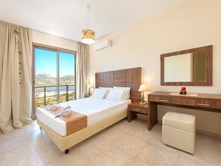 Renatas Villas - Tow level House, Karpathos Town (Pigadia)