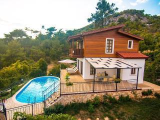 Holiday villa in islamlar /kalkan, sleeps06: 106, Islamlar