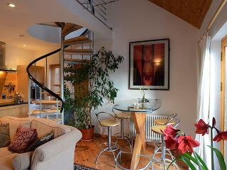 Croagh Patrick Apartment  - Living room with dining bar