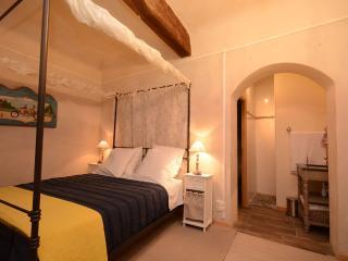 Les Atlantes de Provence Vacation Rental, Saint-Saturnin-les-Apt
