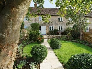 Poppy's Cottage, Cirencester