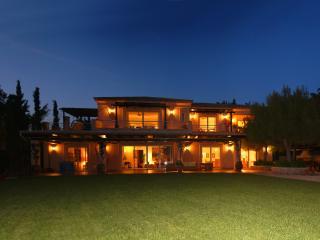 VILLABEAT  |  Villa Ameli