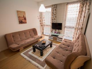 ATATURK AIRPORT AREA DAILY RENT LUX RESIDENCE, Istanbul