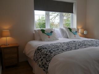 Oakfield Annex. Sleeps 4. Two Bed, Breakfast room, Bathroom and Garden.