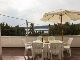 Apartment with big terrace and a sea view, Rab Island