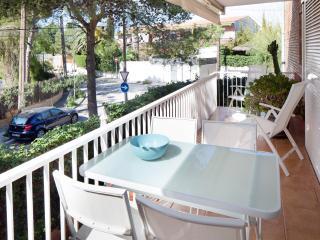 BLANC SUBUR · Minimalist Design Apartment, Sitges