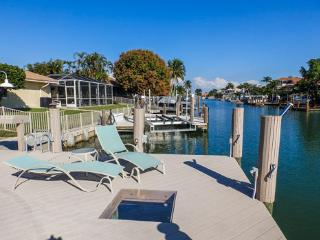 TwinOak1131 - Twin Oaks Ct, Isla Marco