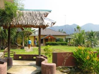 Tranquil Village Stay, Bukit Lawang