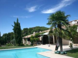 Maison provençale de caractère-Eyguières, Eyguieres