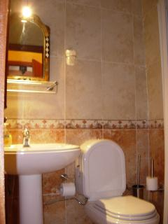 2 bathrooms with in each shower, toilet, lavabo